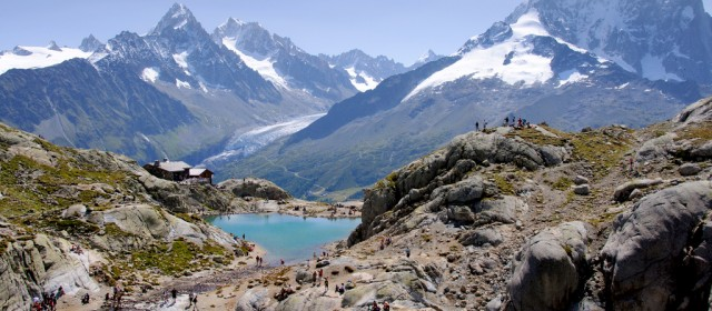 Tour Mont Blanc -- High profile Trekking in the triple border