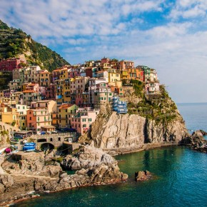LE CINQUE TERRE: COLORFUL BALCONY TO THE SEA OF LIGURIA