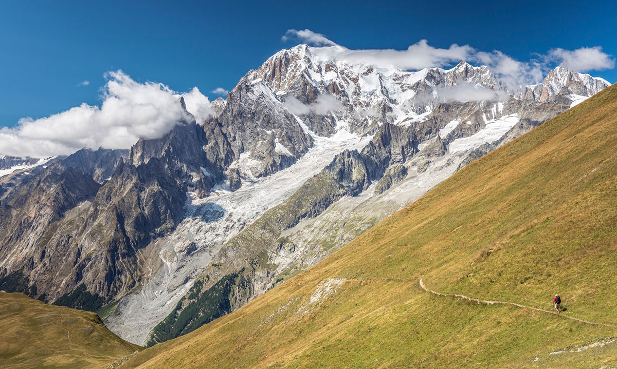 Italian view of the Mont Blanc summit