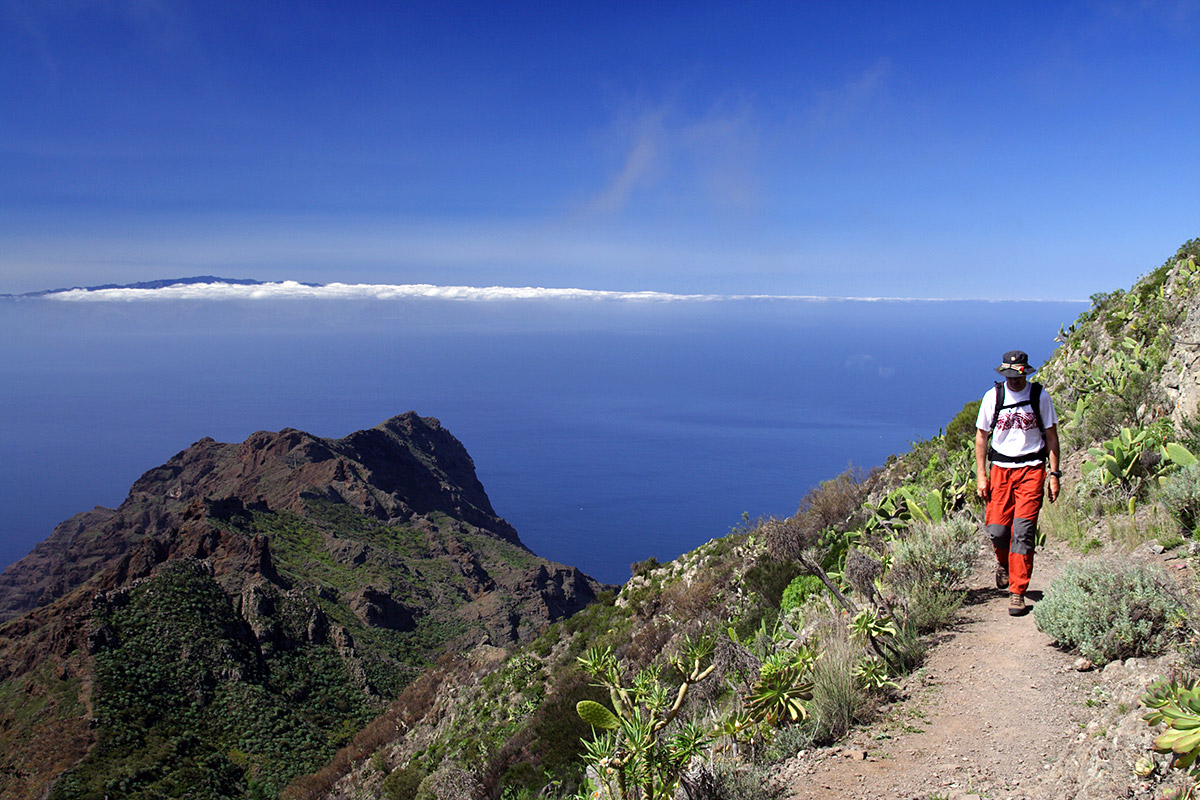 Hiking in Tenerife with The Gomera island in the background